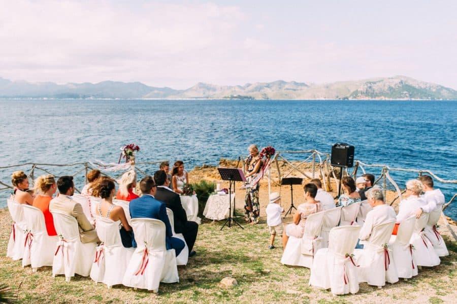 Trauung am Meer auf Mallorca - Hochzeitsgesellschaft in Alcudia